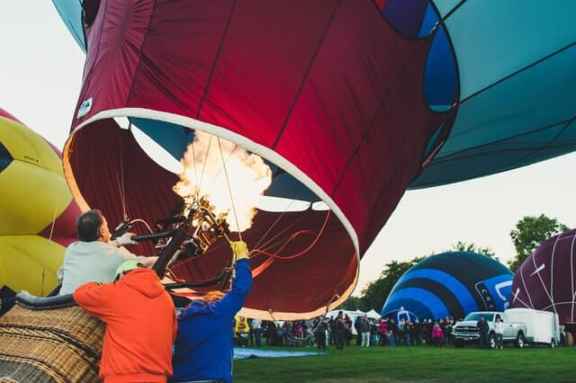 hot air balloon ride and rental business