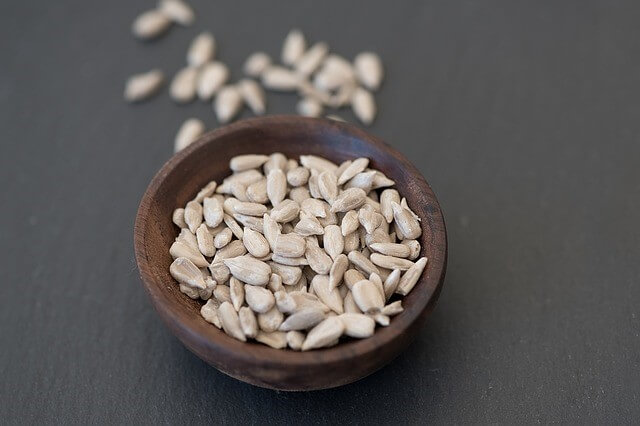 shelled sunflower seeds