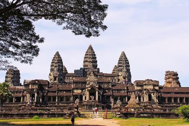 Angkor Wat - 10 best wonders of the world